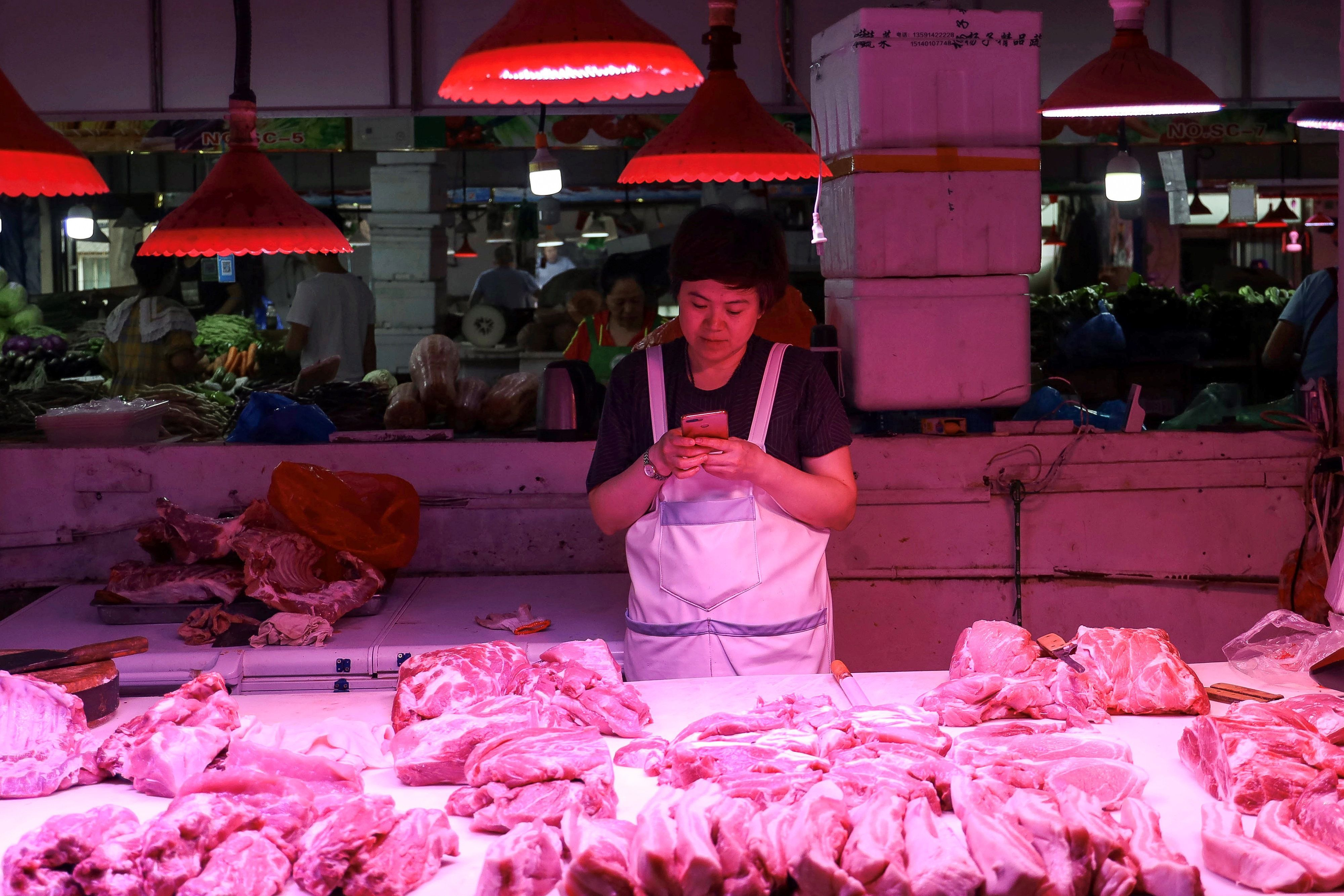 Meat industry says China's pork, beef ban costing it $100-million, asks for assistance, clear strategy