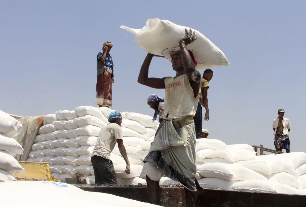 Yemen's Houthi rebels impeding UN aid flow, demand a cut