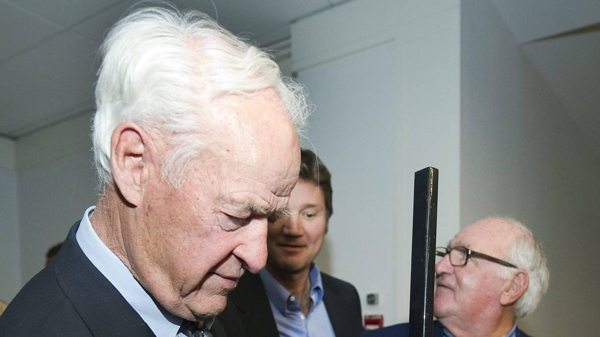 Hockey Hall of Fame great Gordie Howe holds a hockey stick while taking part in the Pro AM for Alzheimer's charity fundraiser in Toronto on Thursday, May 5, 2011. Gordie Howe's wife Colleen died in 2009 from Pick's disease, a form of dementia.