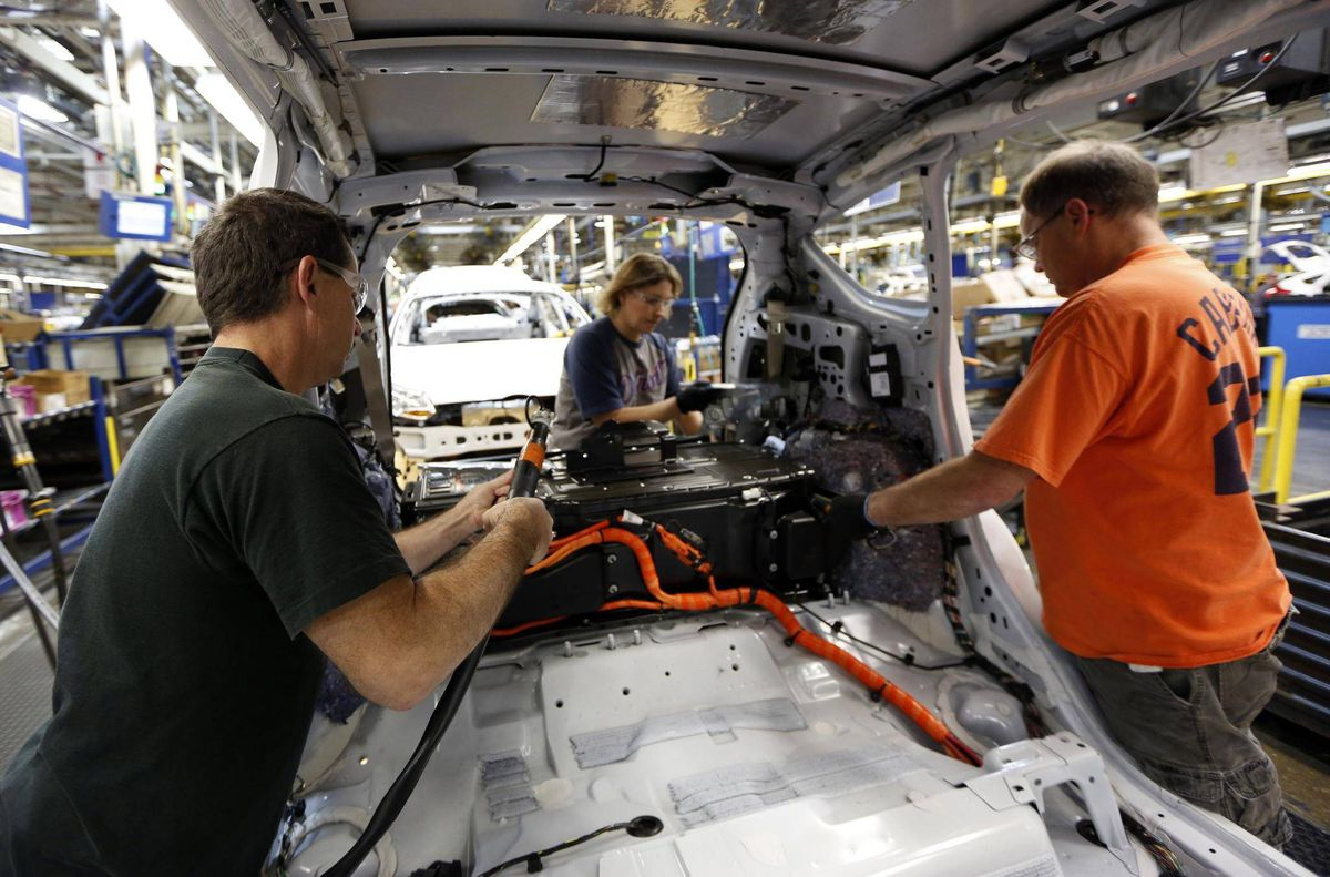 Ford to temporarily layoff about 2 000 hourly employees at for Ford motor company payroll services
