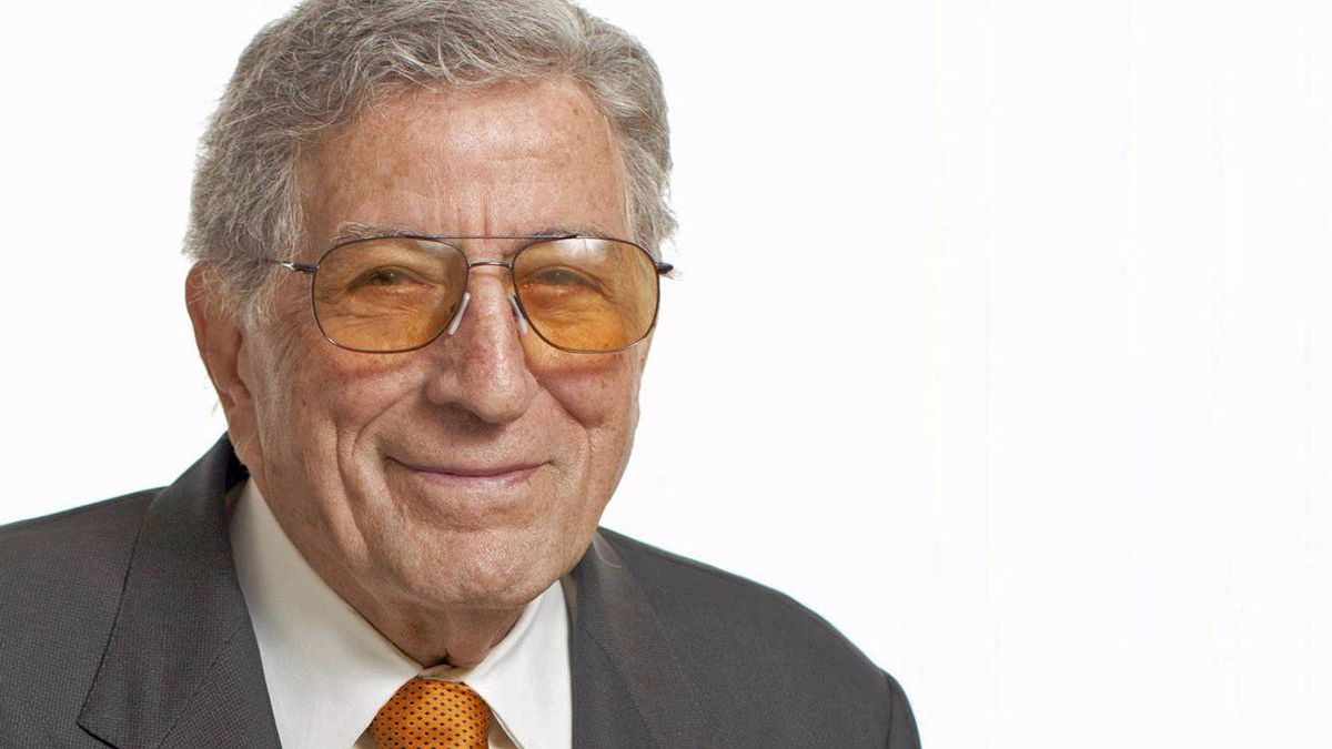 Singer Tony Bennett is photographed at the Four Seasons Hotel in Toronto, Oct. 17, 2011.