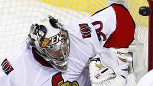 Ottawa Senators goalie Brian Elliott makes a save on the Montreal Canadiens during second period of NHL hockey action in Montreal March 22, 2010. REUTERS/Shaun Best