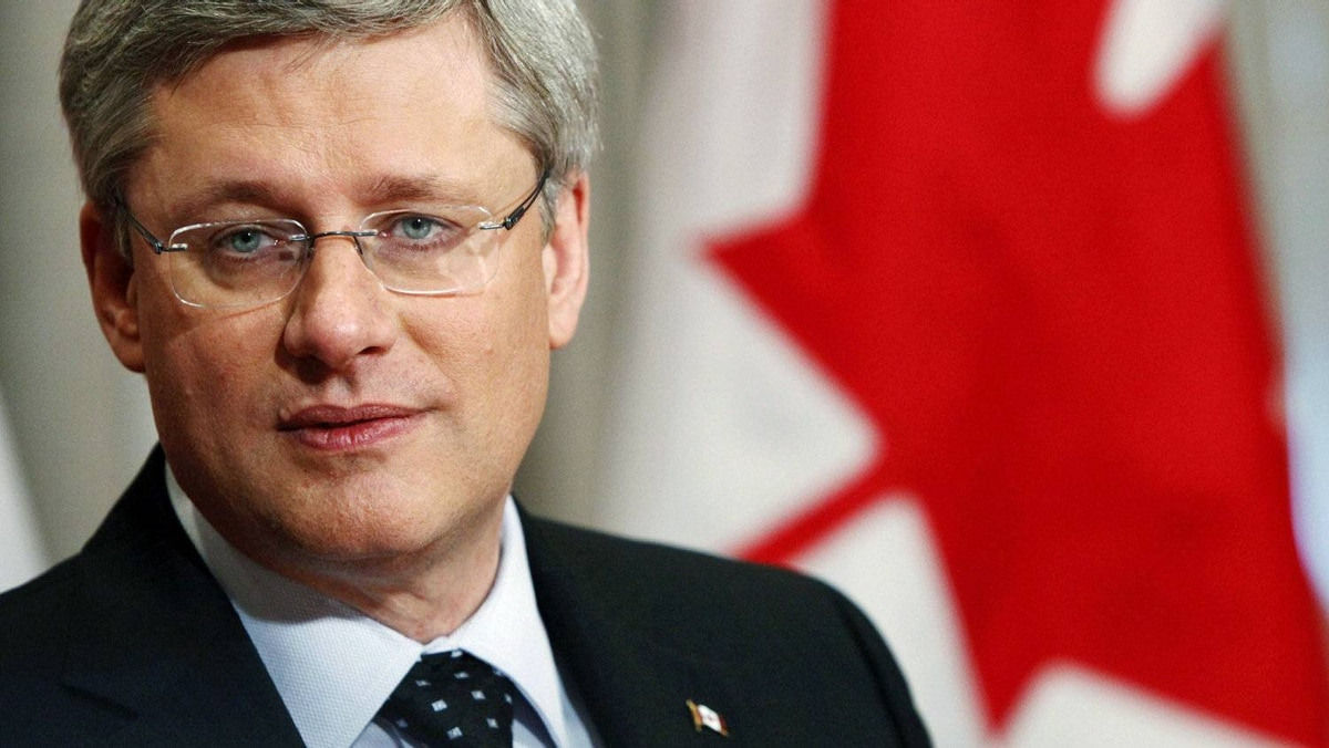 Prime Minister Stephen Harper holds a roundtable discussion with business leaders in Toronto on Jan. 13, 2011.