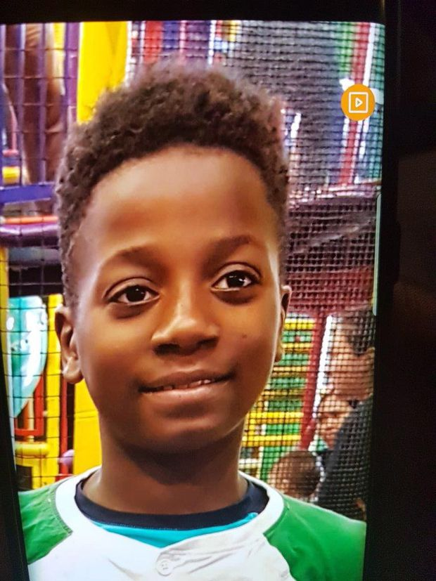 Montreal police officers going door to door in search for missing boy