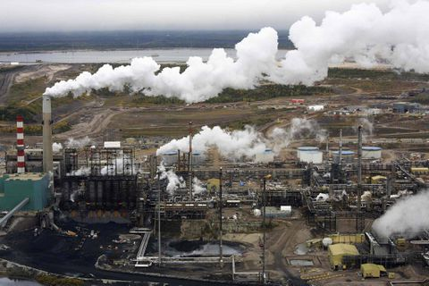 Suncor to target oil 'pockets' as energy sector deals with high costs