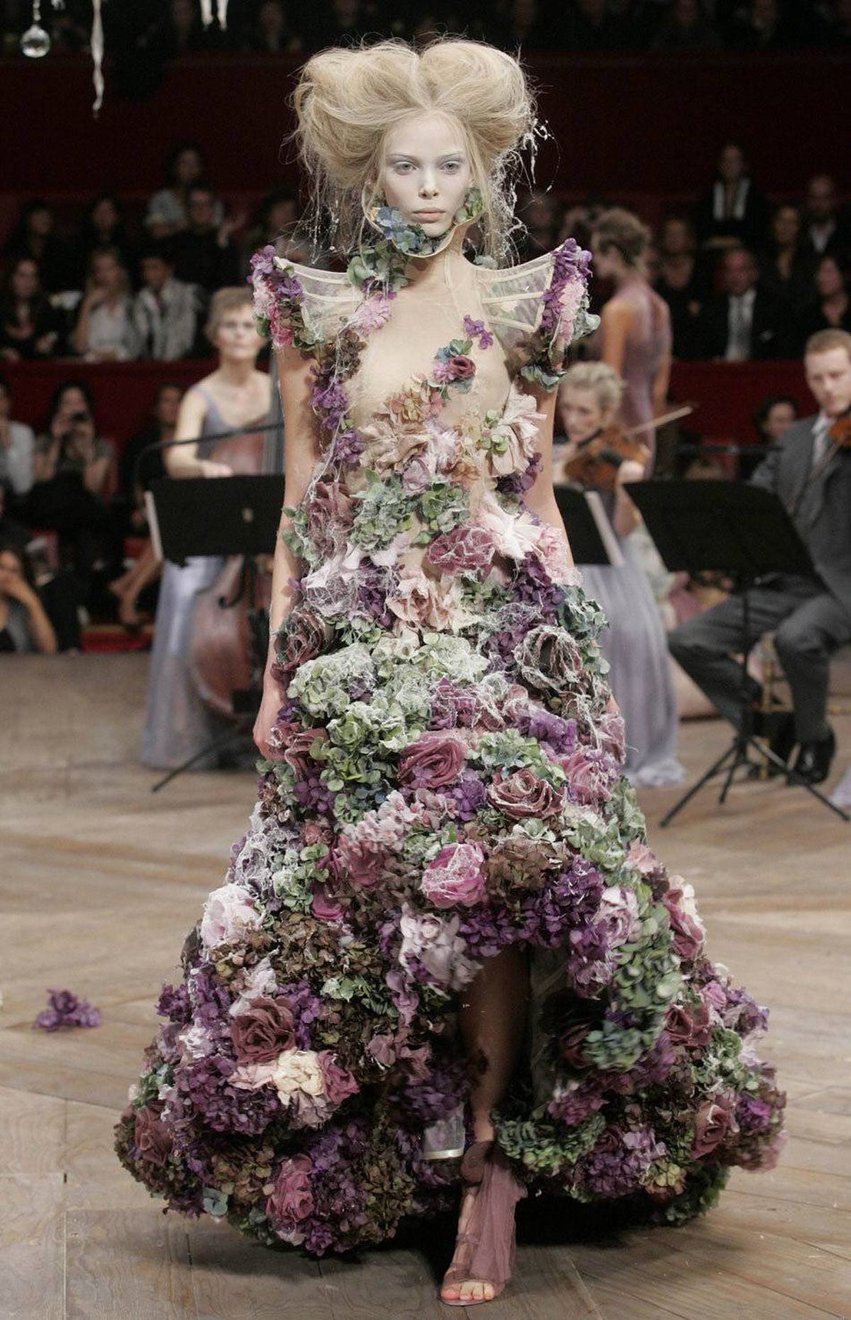Running themes McQueen: Romanticism in myriad forms