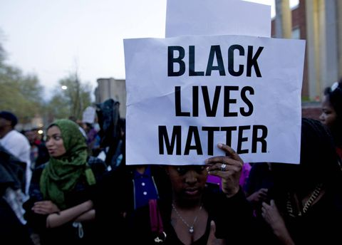 At least 1,000 protest after death of black man in police custody