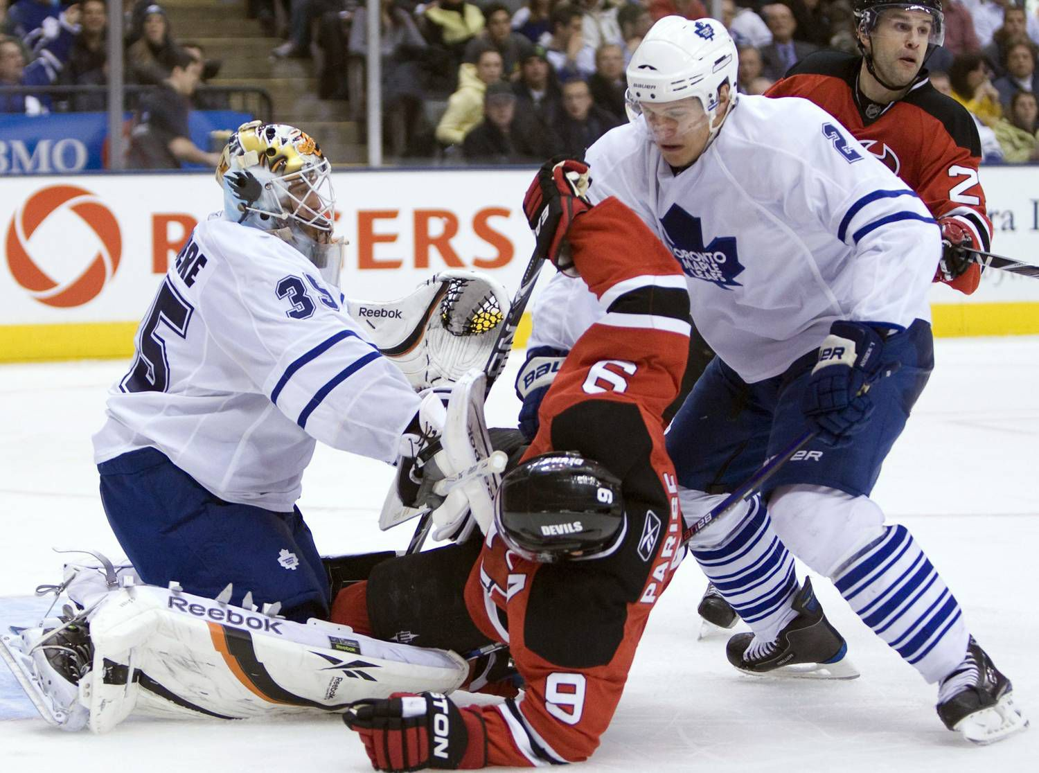 fb43243e152 Leafs dig deep, dump Devils - The Globe and Mail