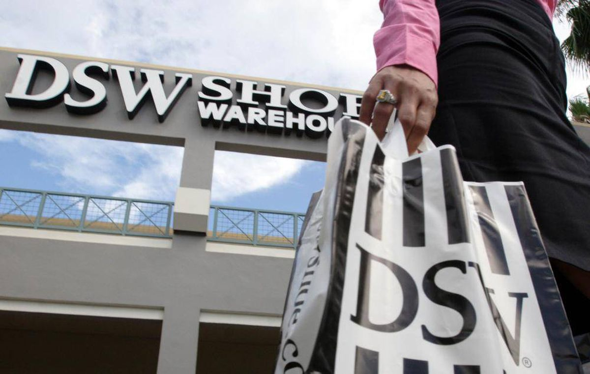 b52863d7095c DSW to close all Town Shoes stores in Canada by January - The Globe and Mail