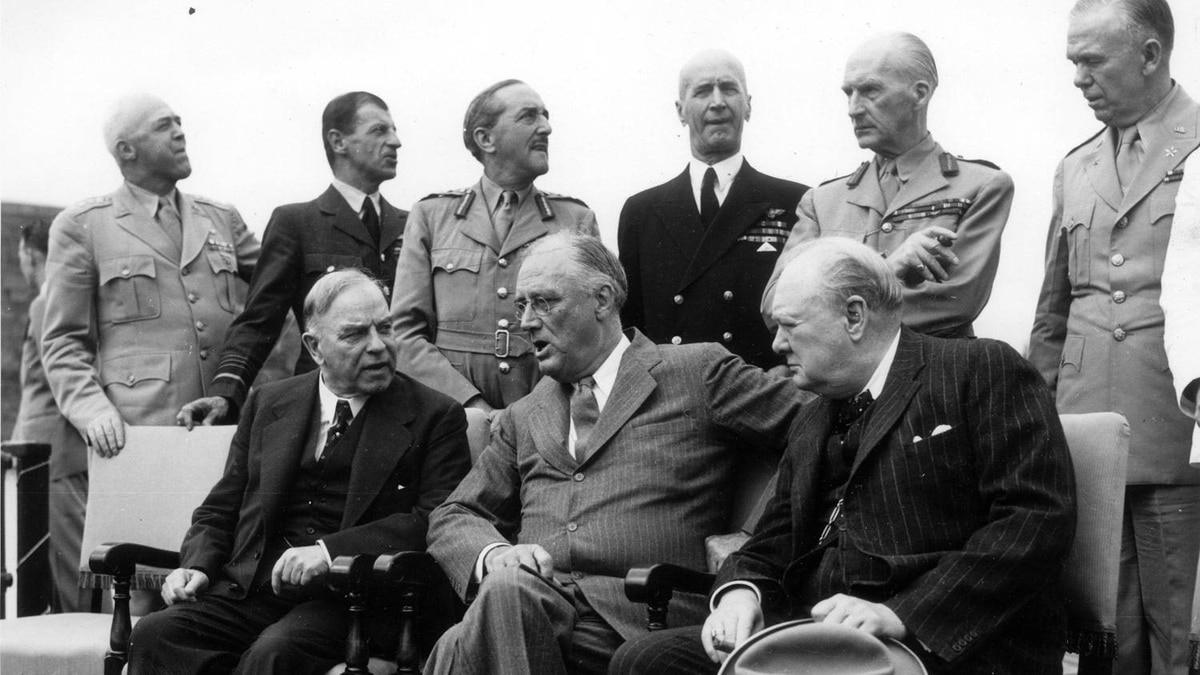 Quebec Conference, August 16, 1943. Wartime leaders, along with their chiefs of staff, meet in Quebec City to co-ordinate the allied campaigns in Europe. Front row, Prime Minister William Lyon Mackenzie King, Franklin Delano Roosevelt and Winston Churchill.
