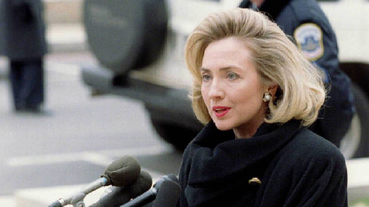 In 1996, during the Whitewater affair, Ms. Clinton's hair spoke volumes - or, at least, was quite voluminous.