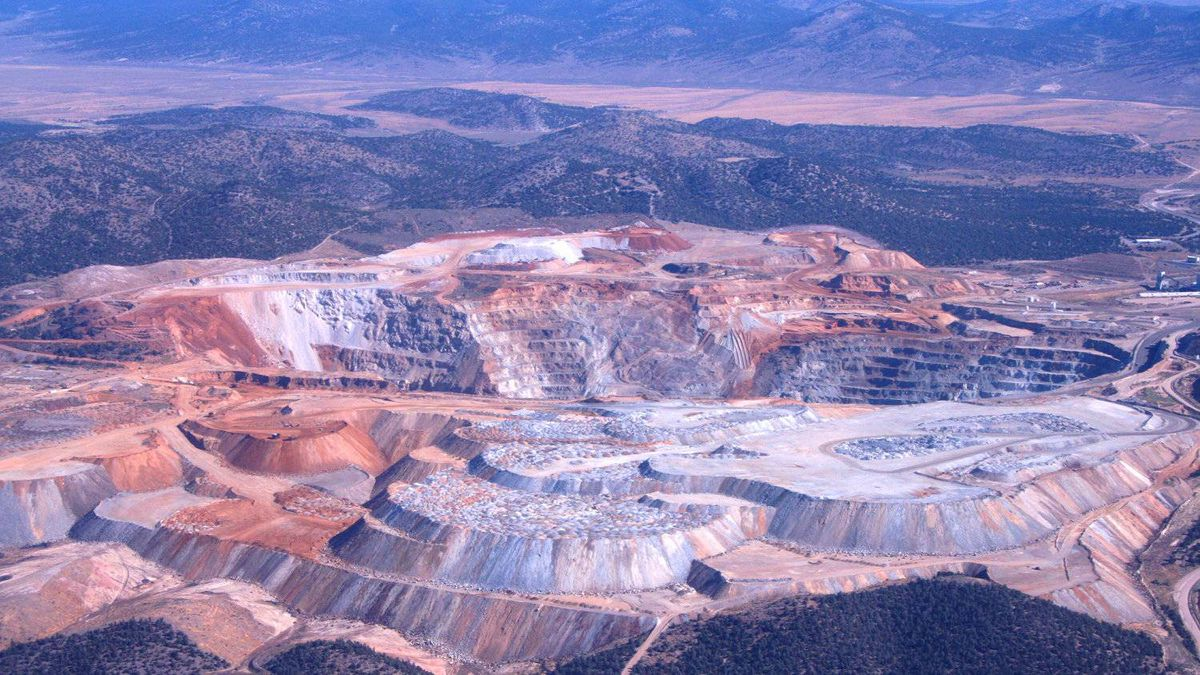 An open pit copper and gold mine located in eastern Nevada approximately 11 km west of the town of Ely.