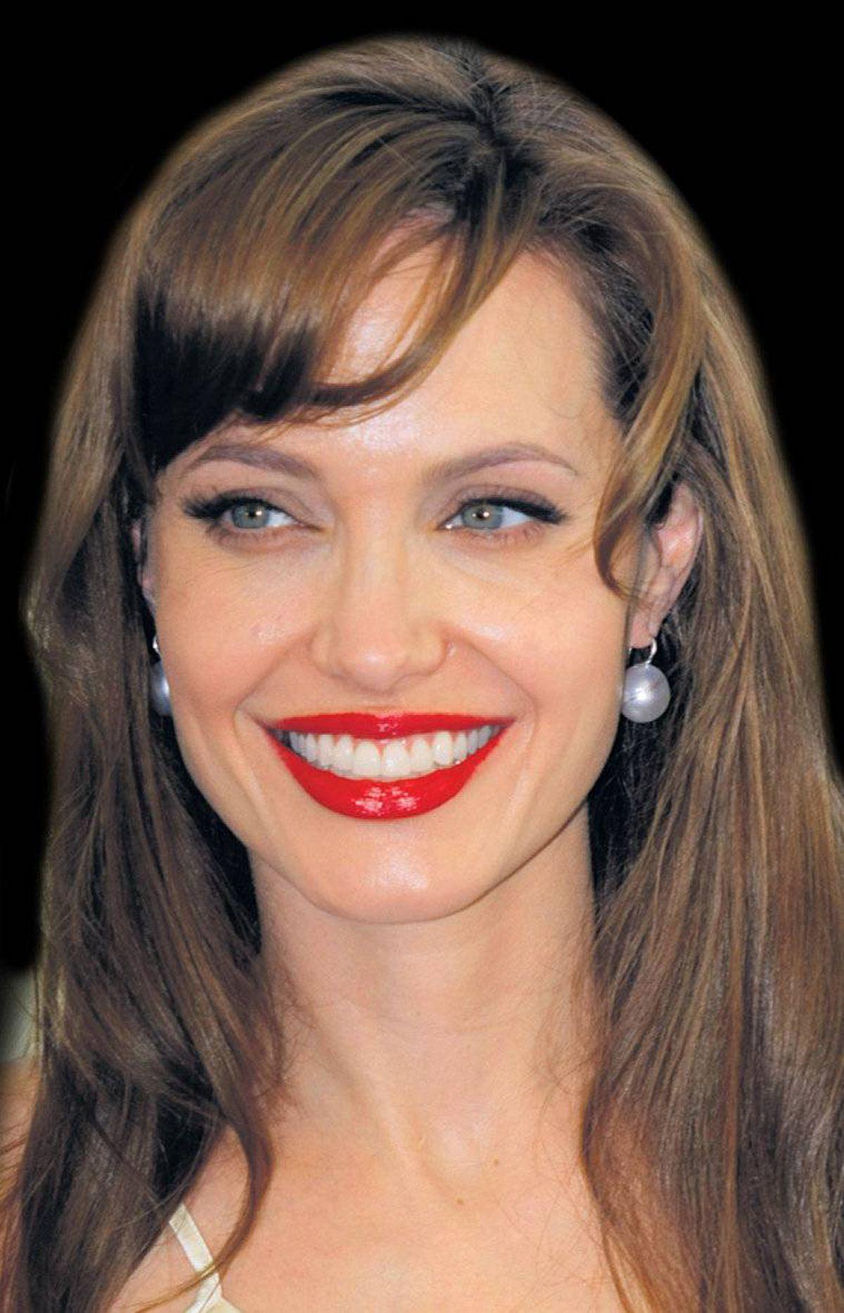 Angelina Jolie: Vermillion vixen
