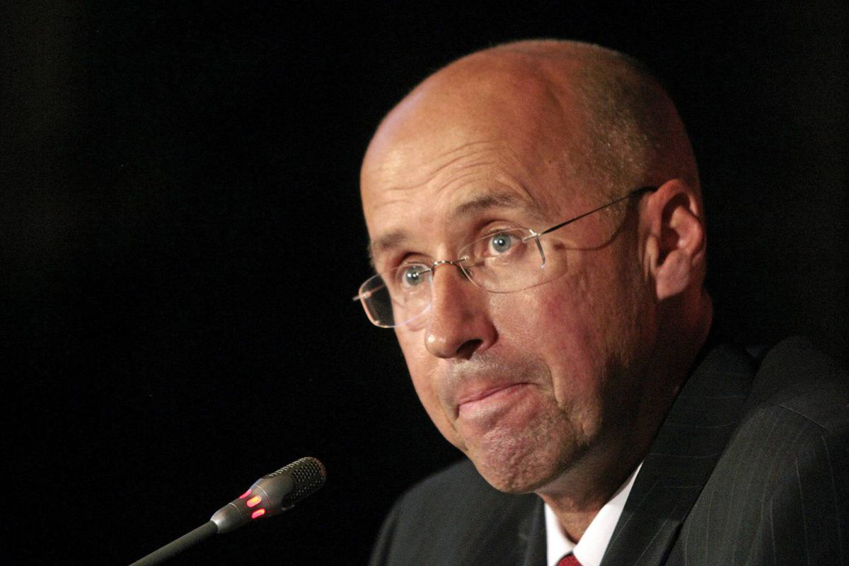 Parliamentary Budget Officer Kevin Page unveils his costing of the Afghan mission at an Ottawa news conference on Oct. 9, 2008.