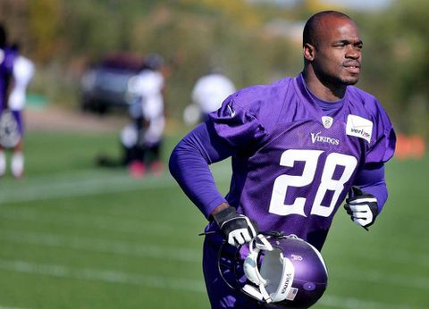 Sources: NFL, Peterson to meet Tuesday regarding playing status