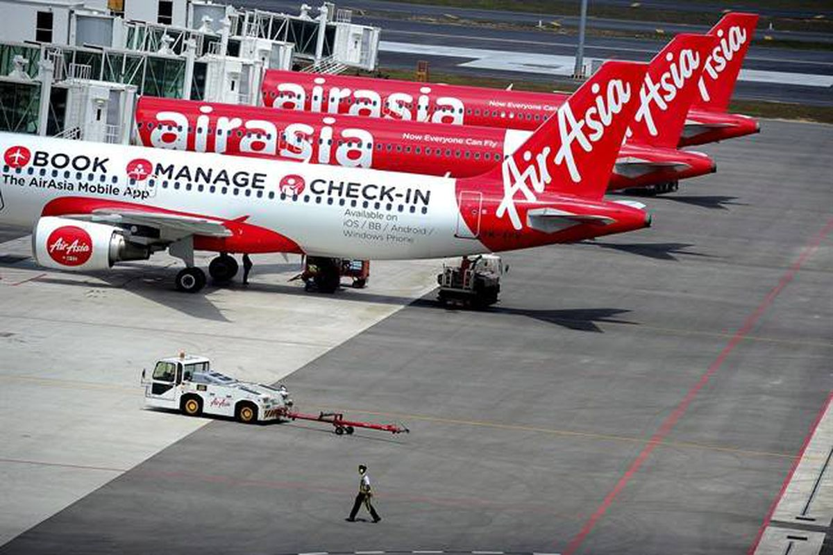 stakeholder of airasia Stakeholders are important in an organization as stakeholders provide the feedback to the company's performance and make the company to improve better and achieve the goal in airasia, the stakeholders are customers, employees, shareholder and government.