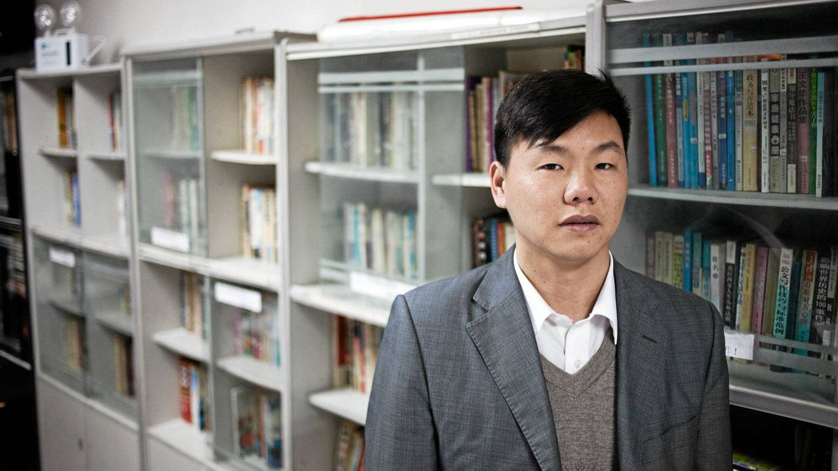 Zhang Zhiru runs Spring Labor Dispute Organization in China, which offers legal advice, a free library and a computer lab to migrant workers.