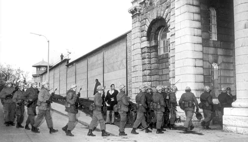 500 rioting prisoners held 6 guards hostage at the Kingston Penitentiary to bargain for a special committee to hear their grievances. Security was at a maximum and 130 riot-trained soldiers marched into the prison yard to patrol the perimeter with bayonets fixed on April 15, 1971.