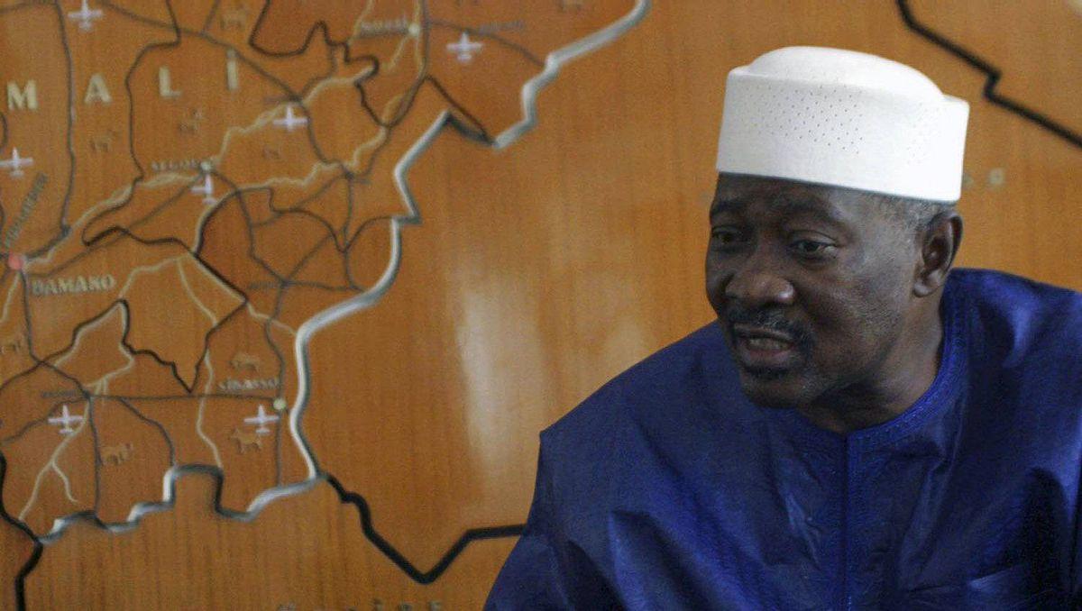 Mali's President Amadou Toumani Toure is seen in an April 2007 file photo.