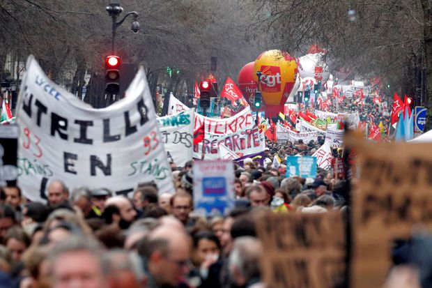 Nationwide protests in France over pension plans
