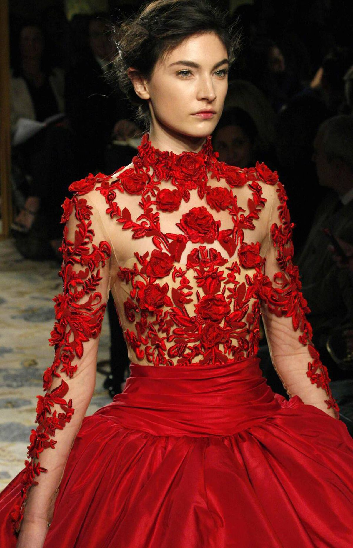 Am I the only one who looked at this gown and pictured the bathtub scene in American Beauty?