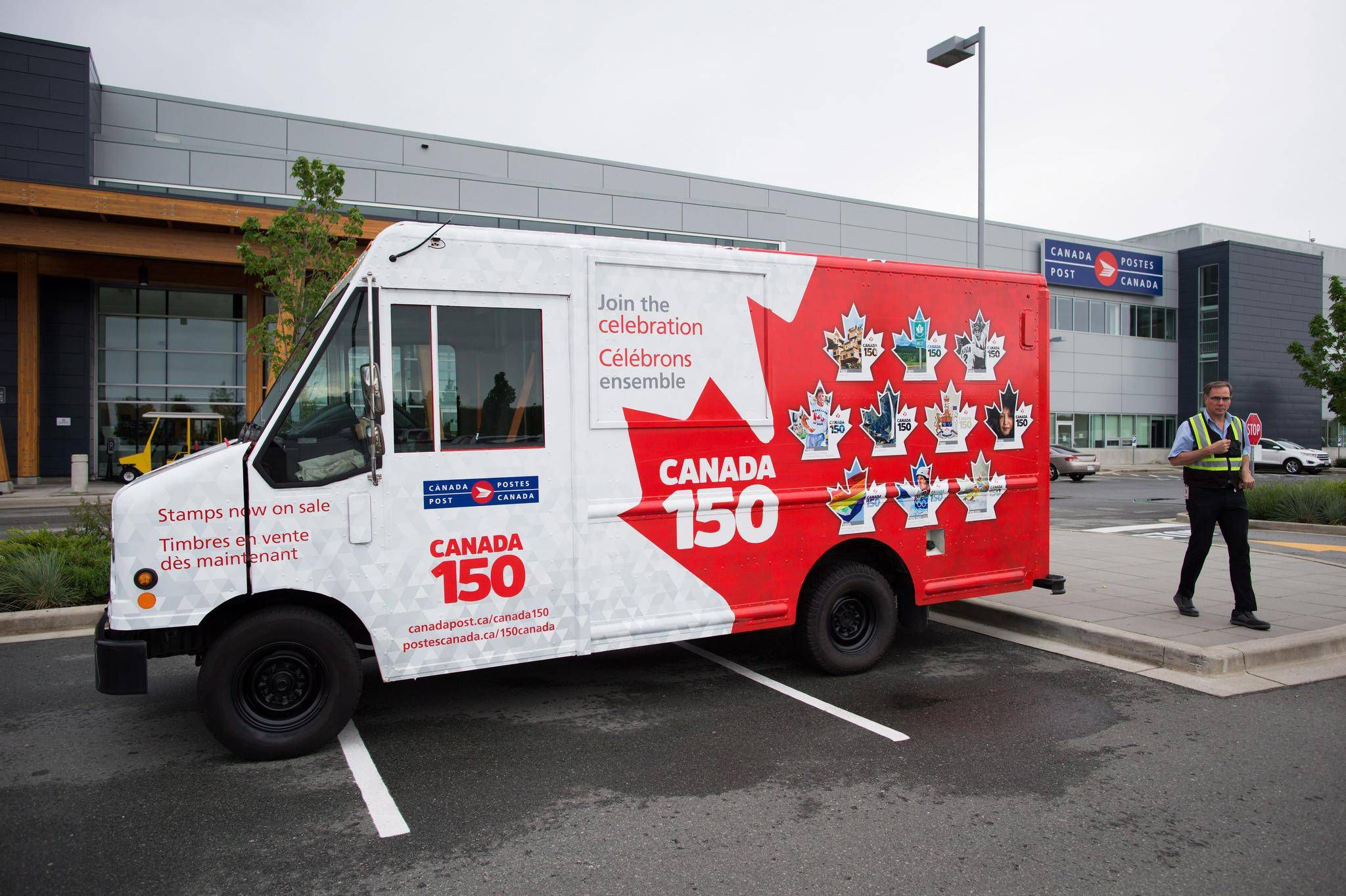 Canada post phasing out controversial shipping discount for chinese canada post phasing out controversial shipping discount for chinese goods the globe and mail aloadofball Gallery