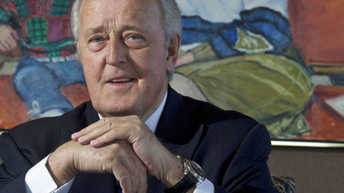 Former prime minister Brian Mulroney is shown in his Montreal office on Jan. 20, 2011.