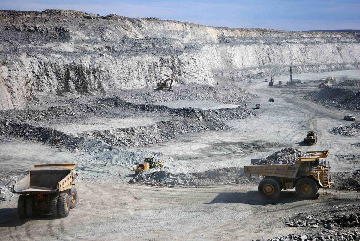 Big mining companies to take lead on Canadian prospecting