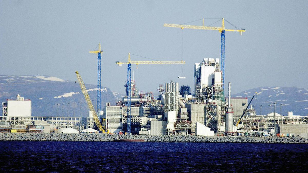 File picture from May 3, 2006, showing constructions in the Statoil's Melkoya LPG plant near Hammerfest in Norway.