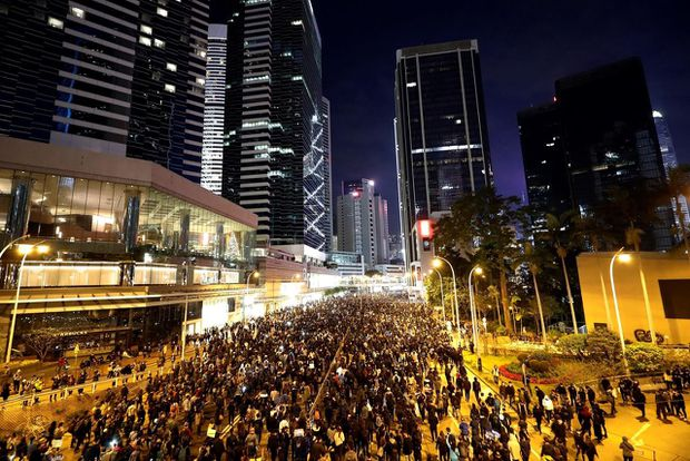 Hundreds of thousands march in Hong Kong on biggest rally for months