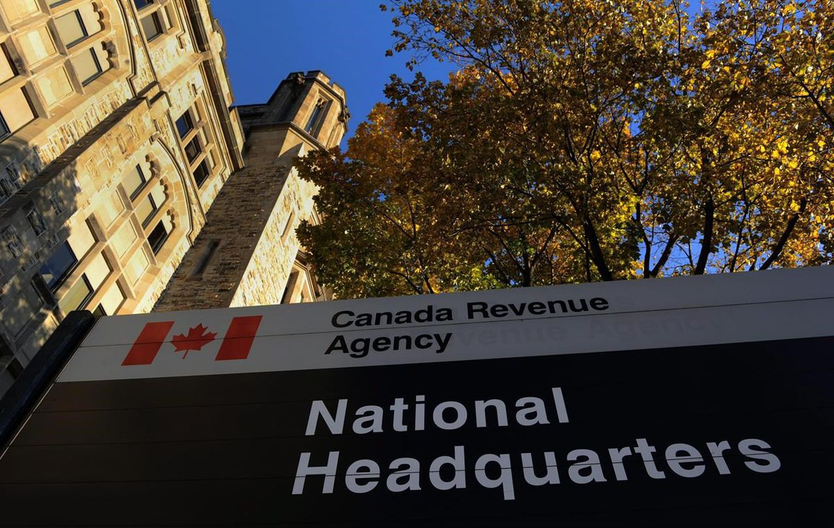 CRA puts focus on paper returns as tax-filing season opens