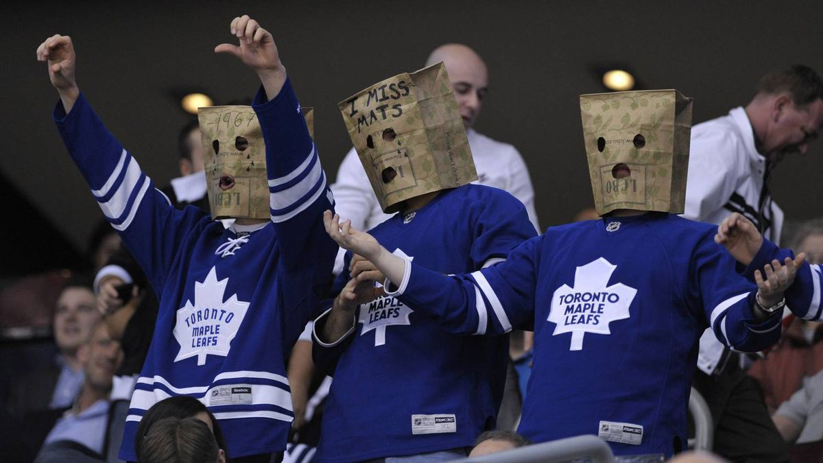 How are the Maple Leafs just like bad mutual fund managers? They both underperform and yet we still stay loyal, says one blogger.