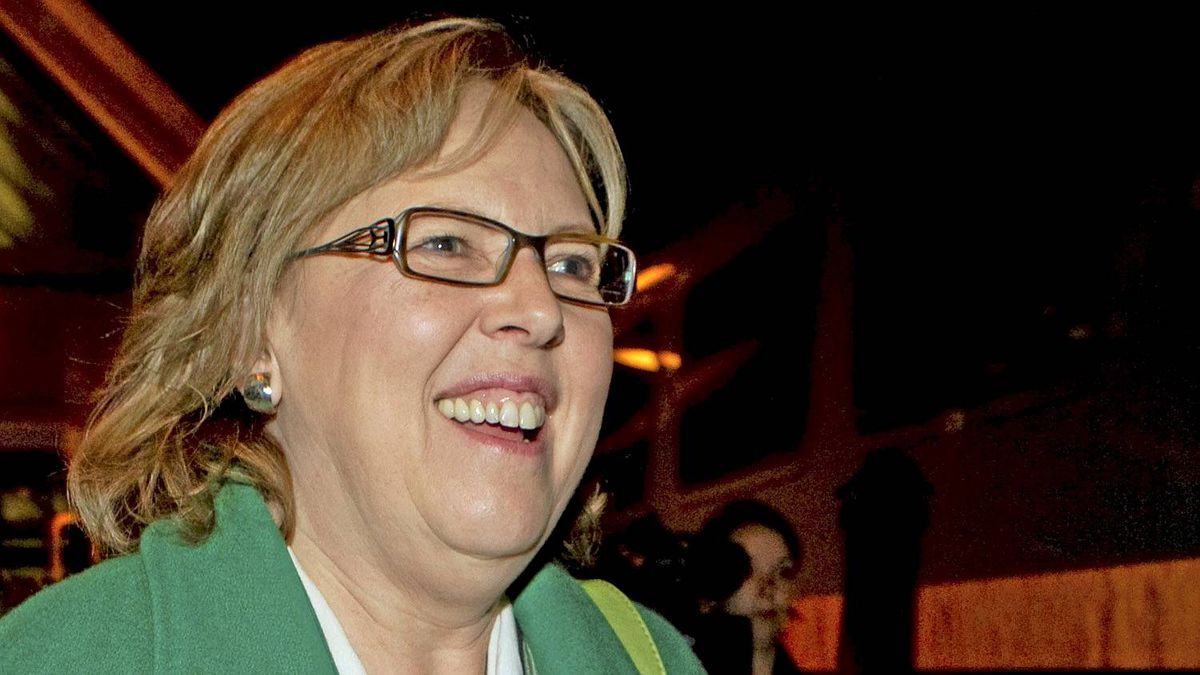 Green Party leader Elizabeth May walks to the train as she departs Toronto on Friday April 8, 2011.