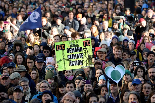 Climate crisis: 11,000 scientists warn of 'untold suffering'
