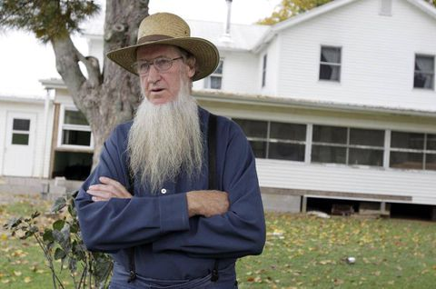 Hate-crime convictions in hair-cutting attacks on Amish overturned