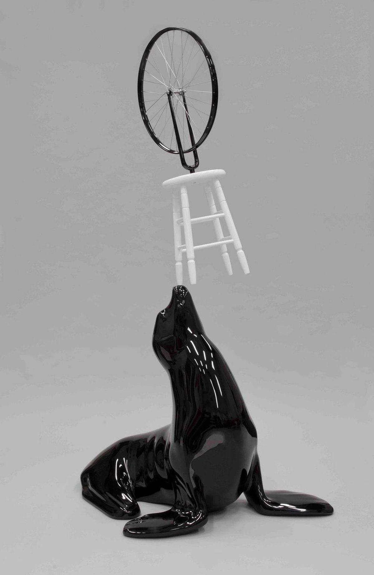 Michael Parekowhai, My Sister, My Self, 2007. Fibreglass, wood and enamel paint (ed. 3/5), National Gallery of Canada, Ottawa ©