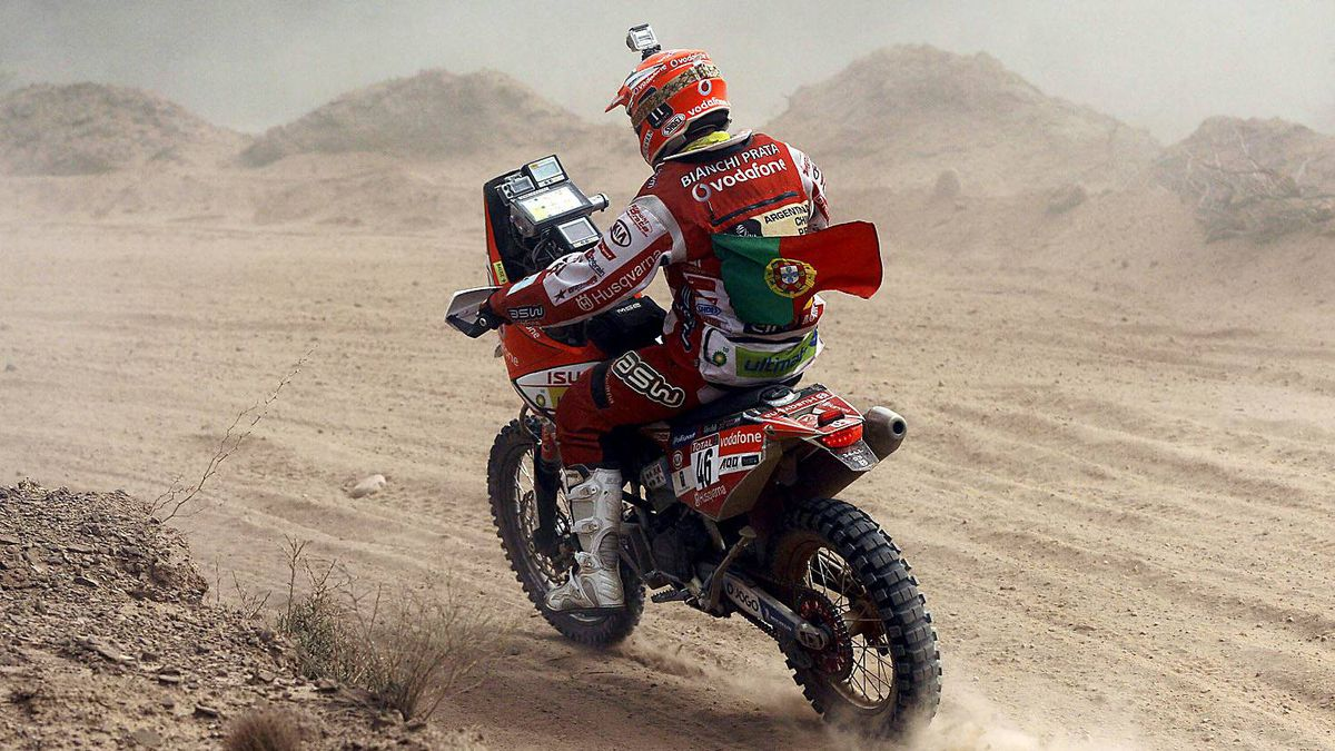 Portugal's biker Pedro Bianchi races his Husqvarna in the fourth stage of the 2012 Argentina-Chile-Peru Dakar Rally between San Juan and Chilecito, Argentina, Wednesday Jan. 4, 2012.