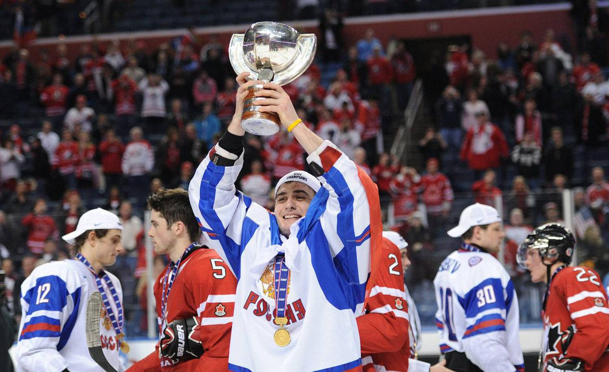 Team Russia forward Vladimir Tarasenko hoists the trophy after defeating Team Canada at the IIHF World Junior Championship gold medal final in Buffalo, N.Y. on Wednesday, January 5, 2011.