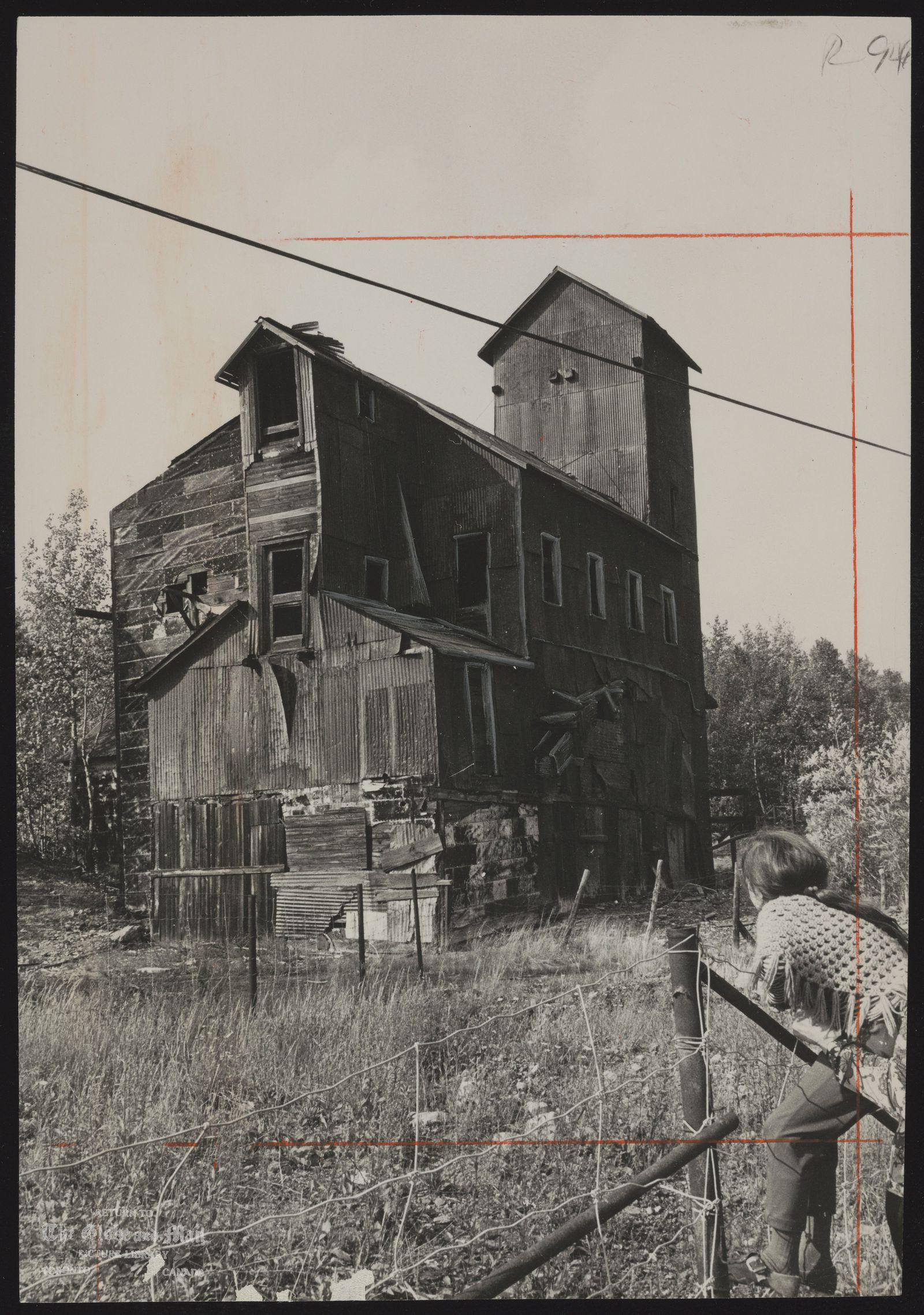 COBALT town (Ontario) (Abandonded mineshaft)