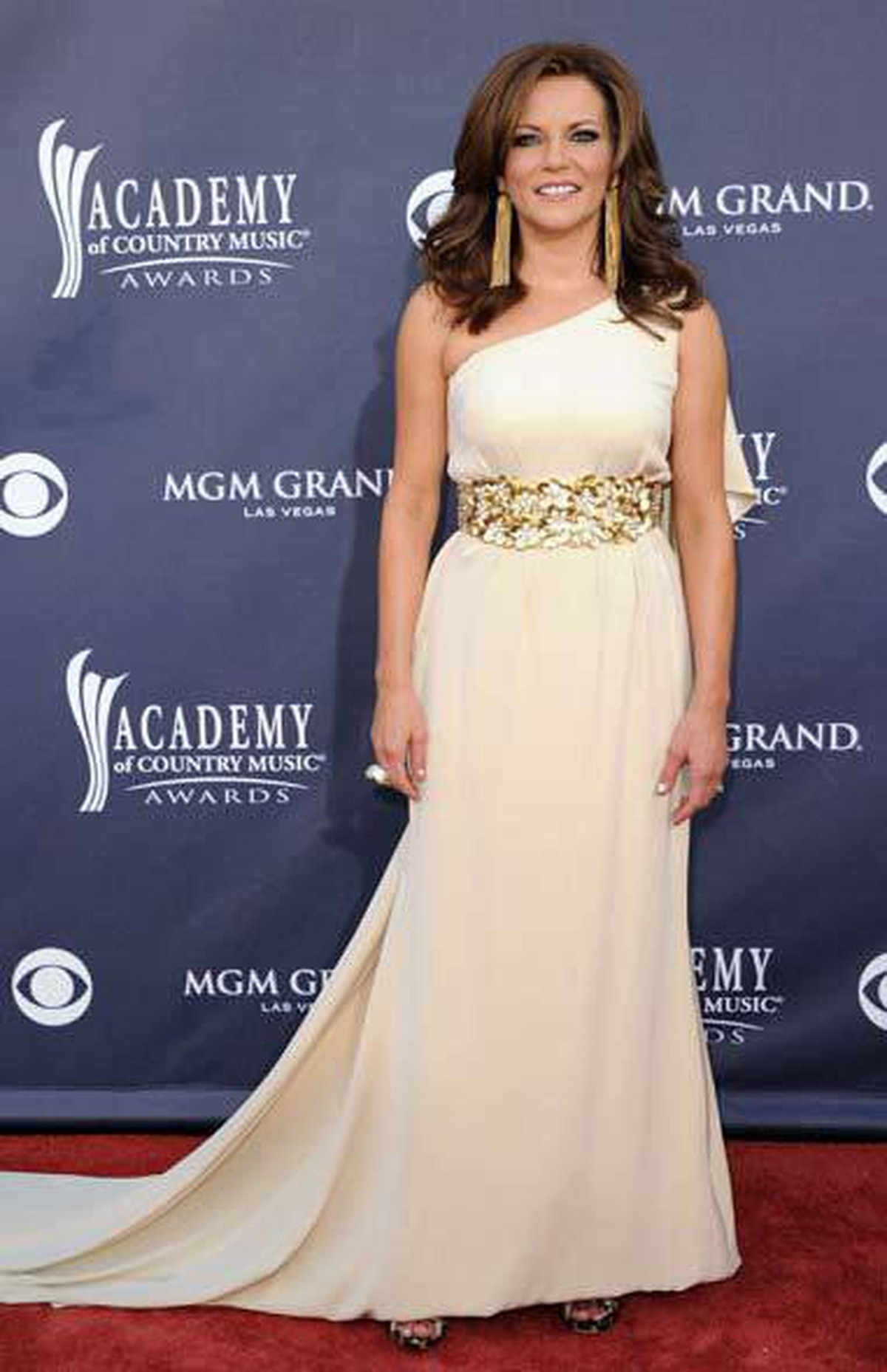 Singer Martina McBride wore the kind of gown more associated with Hollywood values than with country music values.