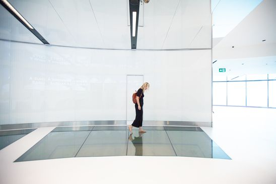 World-class windows: Maker of huge panes of architectural glass takes outsized risk on tech