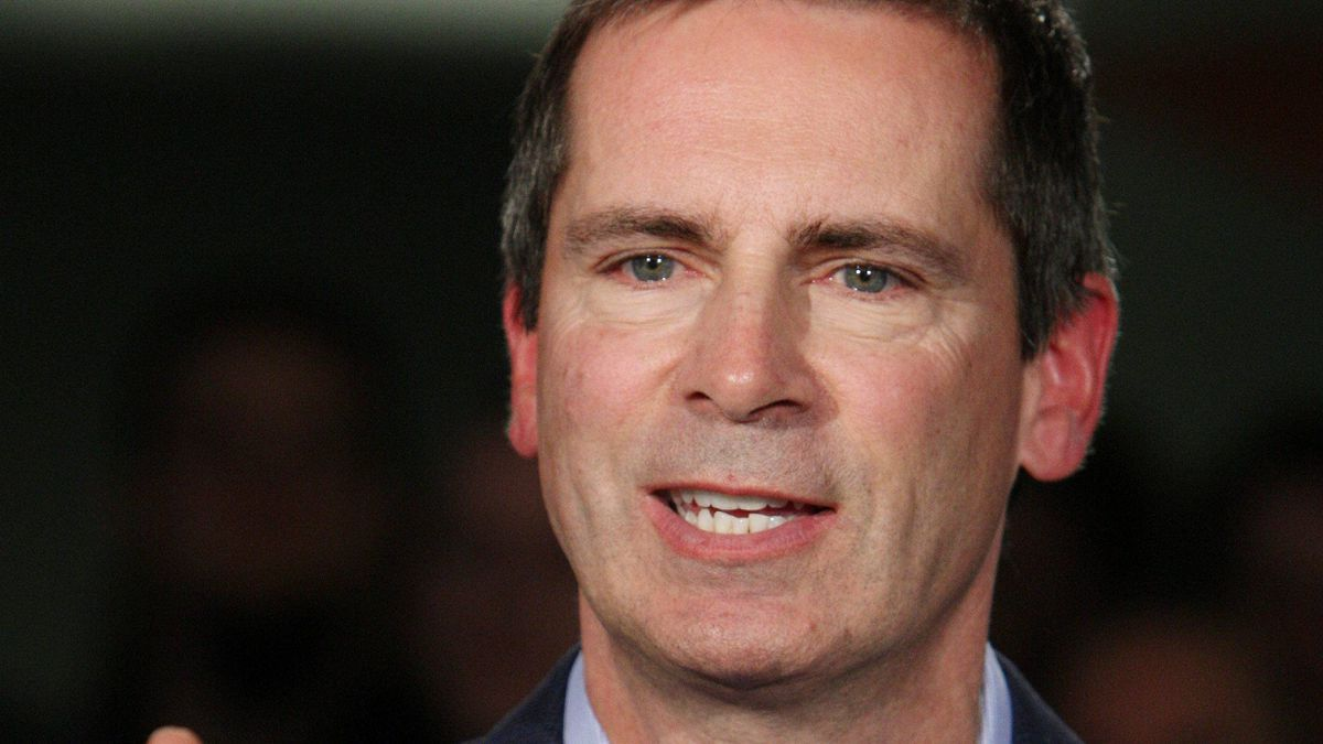 Ontario Premier Dalton McGuinty wants Prime Minister Stephen Harper to put conditions on health transfers to provinces.