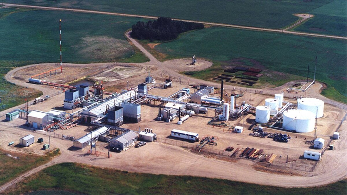 Fairborne's Clive property is located in central Alberta, approximately 50 kilometres northeast of Red Deer.