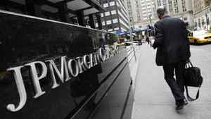 A JPMorgan Chase office building in New York, Monday, May 14, 2012. JPMorgan, the largest bank in the United States, is seeking to minimize the damage caused by a $2-billion (U.S.) trading loss, disclosed Thursday by CEO Jamie Dimon.