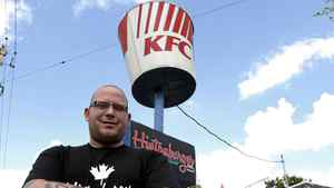 Hintonburger co-owner Thomas Williams wants to get rid of the KFC bucket because it confuses his customers.