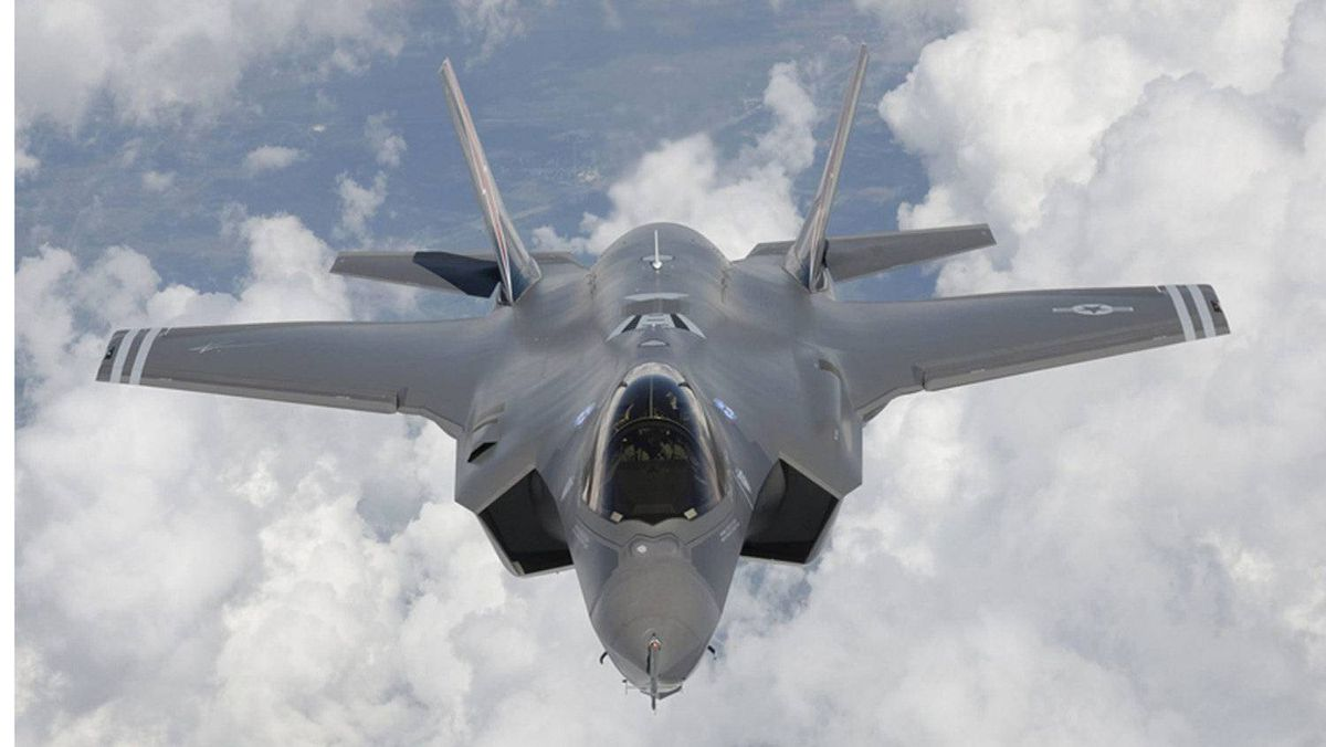 Senior government officials outside the Department of National Defence are urging the department to consider alternatives to the F-35 jet fighter.