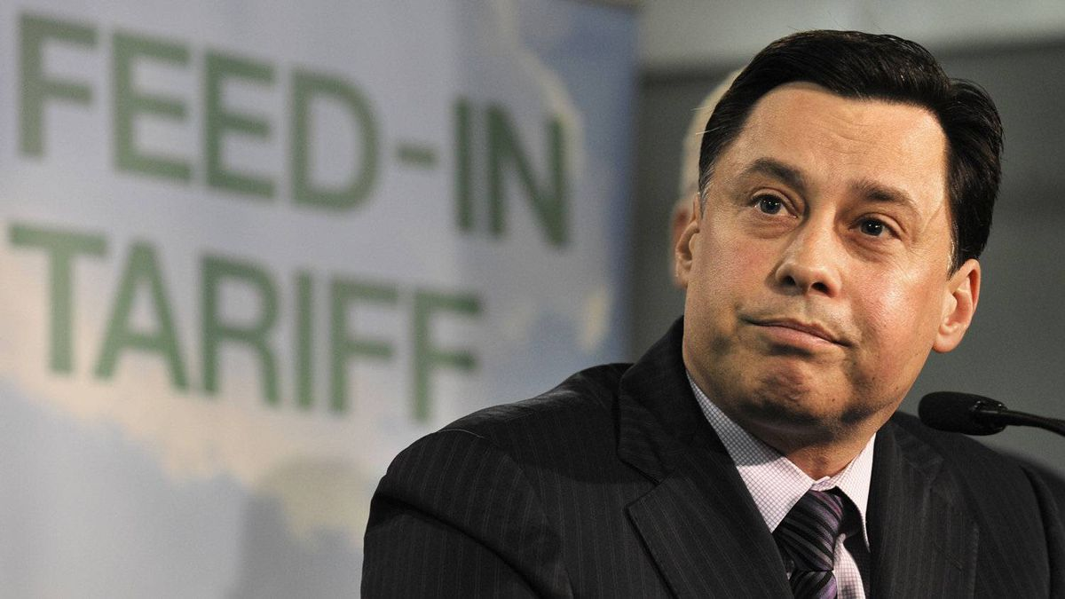 Ontario Energy Minister Brad Duguid holds a news conference at Durham College in Whitby on April 8, 2010.