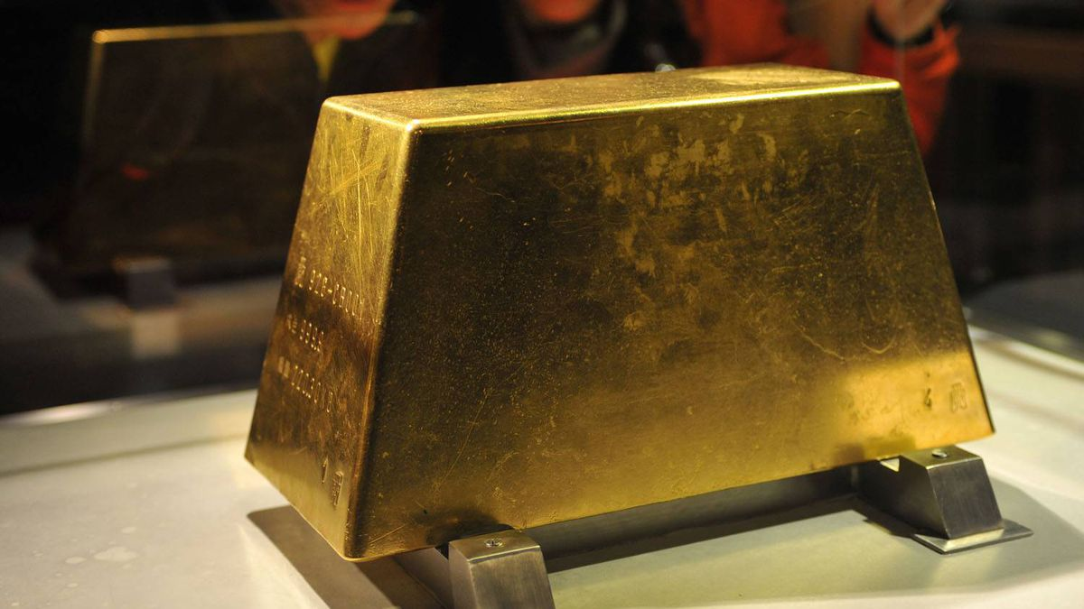 The world's largest solid gold brick, weighing 220 kg, sits at the Jinguashi Gold Museum in Ruifang, Taiwan
