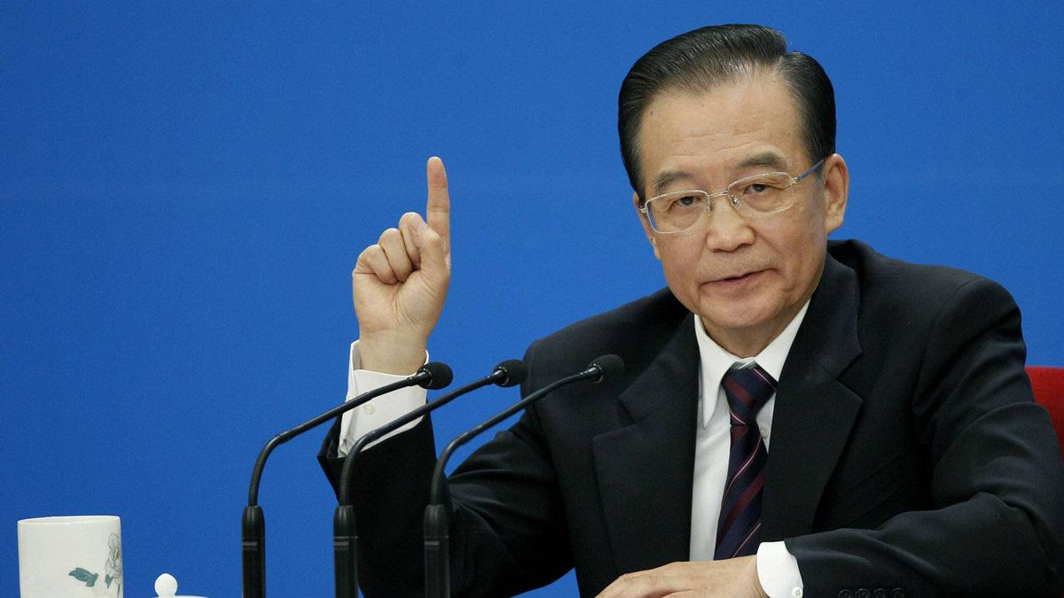 Chinese Premier Wen Jiabao gestures during a press conference after the closing session of the annual National People's Congress held in Beijing's Great Hall of the People, in China, Wednesday, March 14, 2012.