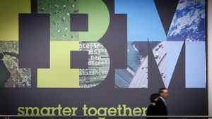 IBM quarterly revenue hits target